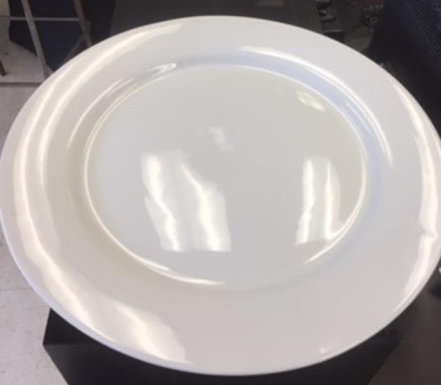 Where to find TRAY, ROUND WHITE 18 in Boston